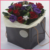 Christmas-Red-Blue-mini-bouquet-th